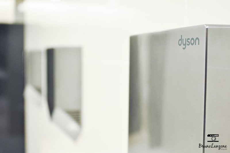 Dyson_Airblade_15
